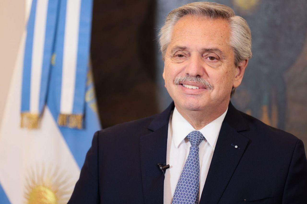 Alberto Fernández saludó a Charly García