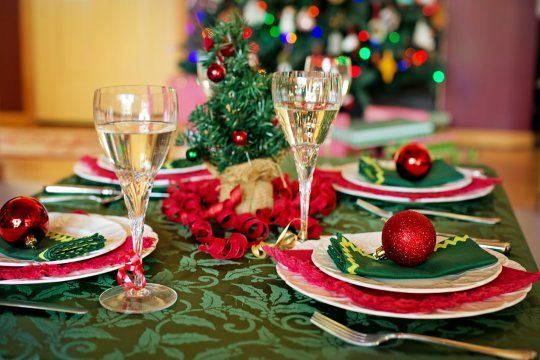 NAvidad y Año Nuevo pueden ser factores de contagio de COVID-19. Como prevenirlo.
