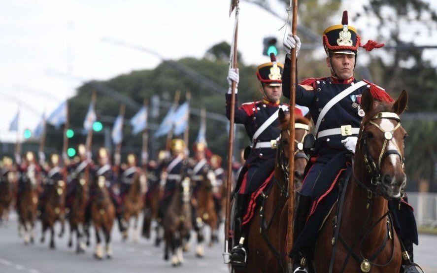 Con la presencia de Macri, se realiza el tradicional desfile militar del 9 de Julio