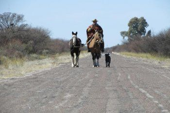 Gerardo Medina recorrió todo el país a caballo. Solo le queda pasar por Entre Ríos para haber cabalgado por todas las provincias argentinas.