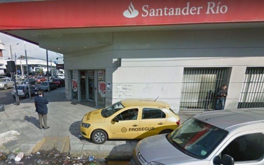 La Tablada: falsos clientes asaltaron un banco y se llevaron al menos dos millones de pesos