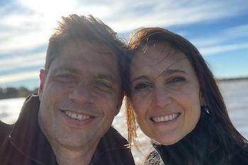 Axel Kicillof junto a su esposa Soledad Quereilhac en la Isla Martín García, en la previa a las elecciones