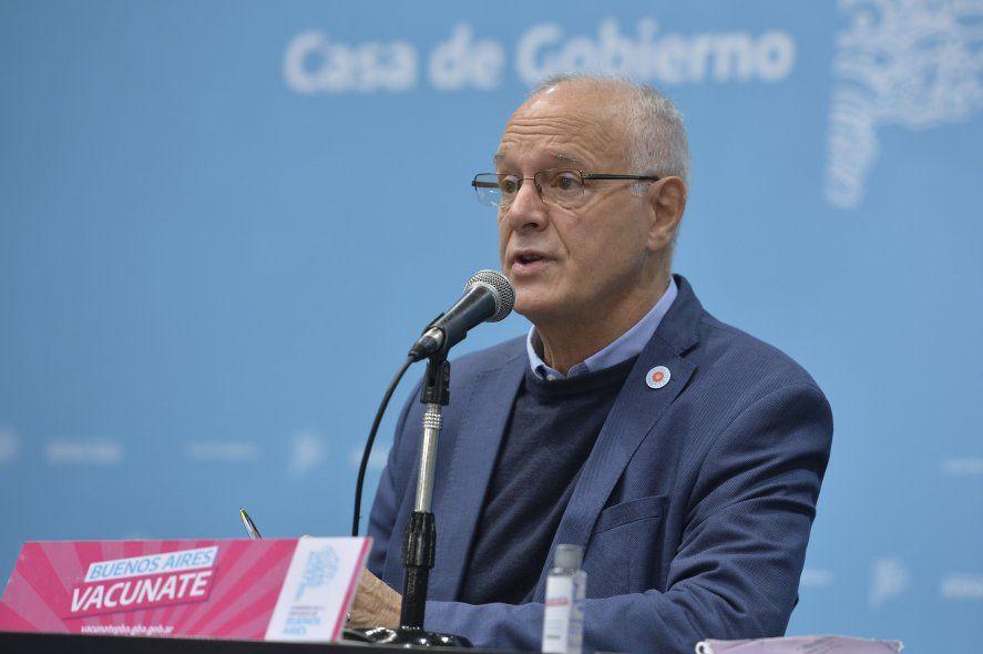 El ministro de Salud bonaerense publicó la curva de casos de coronavirus en la Provincia. En la última semana bajaron.