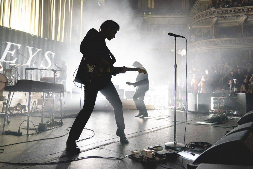 Arctic Monkeys en la histórica sala Royal Albert Hall de Londres