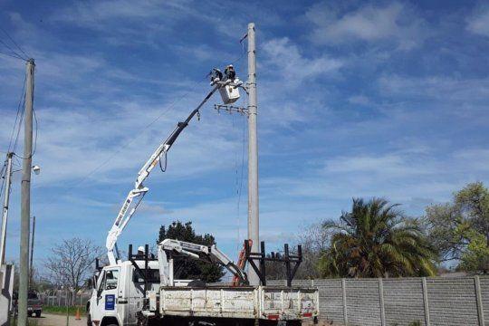 edelap amplia la red electrica en dos barrios de la plata