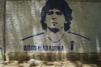 El nuevo tema del Indio Solari con video emotivo de Maradona y Gimnasia que manos anónimas viralizaron en redes
