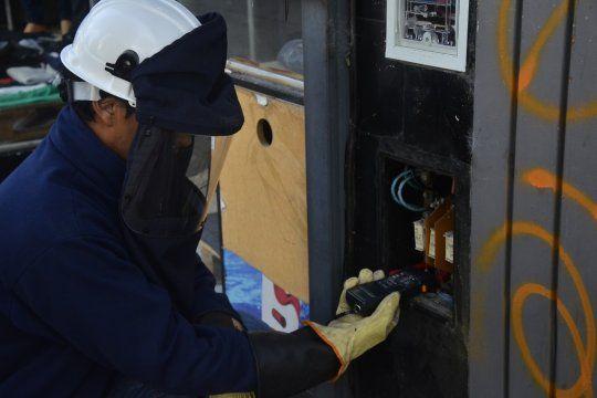 Edelap trabaja para restablecer los cortes causados por la tormenta (Foto de archivo)
