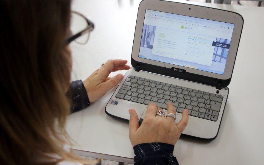 Lanzan sitio web para que docentes bonaerenses realicen trámites de jubilación online