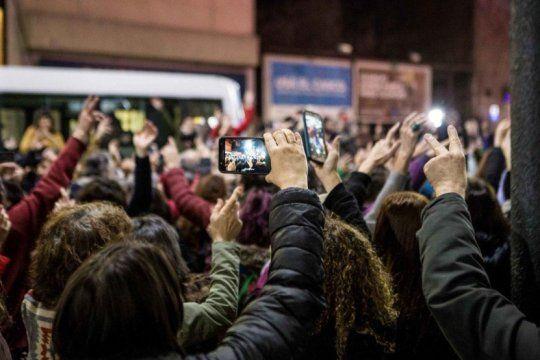 #sivosqueres: la campana ?festiva? y sin agresiones que estallo en todos los barrios portenos