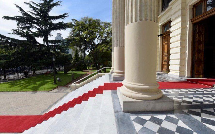 La Legislatura, blindada y de gala para recibir a María Eugenia Vidal