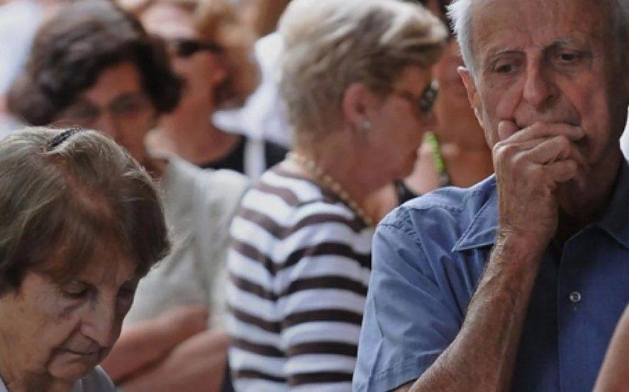 Crisis en el sector pasivo: desde la reforma previsional, cada jubilado perdió casi 10 mil pesos