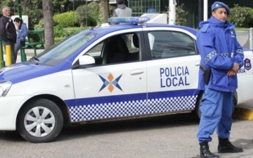Un policía baleó en el cráneo a un asaltante en un supermercado mayorista