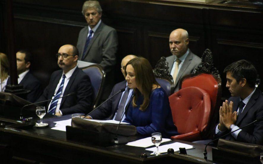 María Eugenia Vidal durante la entonación del himno.