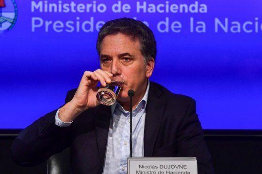 el gobierno abrio el paraguas: dujovne admitio que habra mas inflacion y menos crecimiento