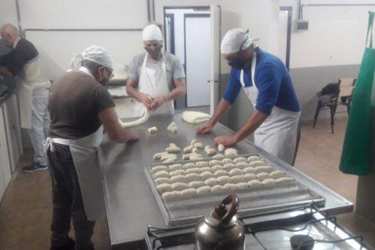 Presos de la Unidad 4 de Bahía Blanca producen panes de manera solidaria