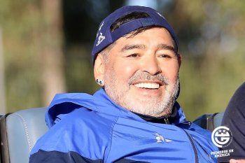 Diego Maradona contento con el mercado de pases