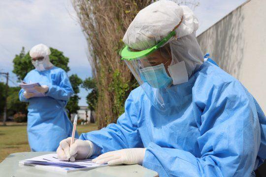 Más de 60 mil trabajadores de la salud contrajeron coronavirus
