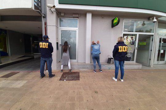 Dos jóvenes de 18 y 22 años fueron detenidas en un Banco de La Plata