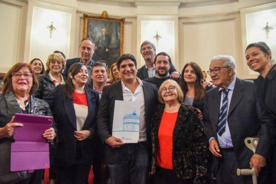 de la plata al mundo y del mundo a la plata: el chef mauro colagreco fue declarado ciudadano ilustre