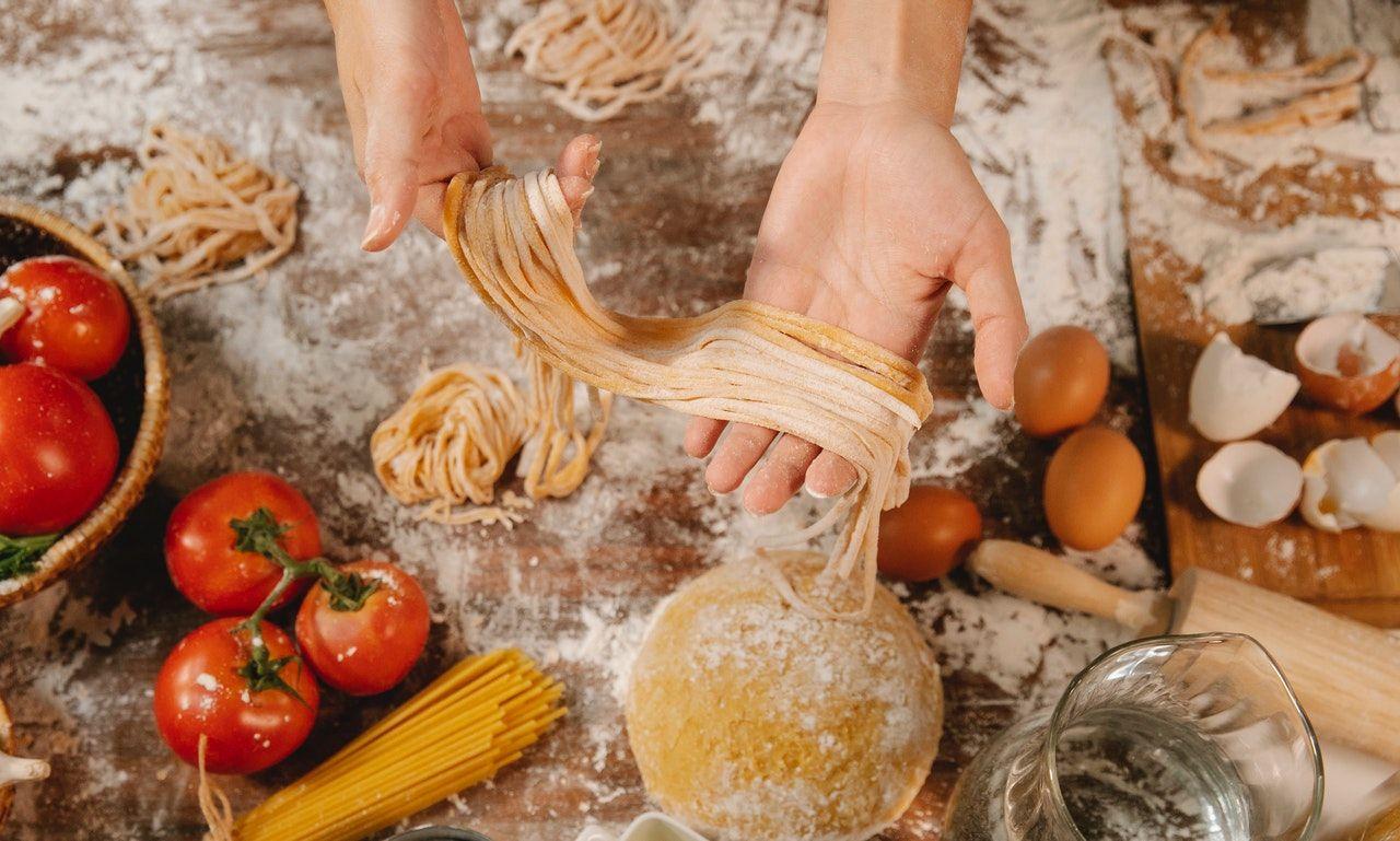 La pasta es una de las comidas más populares de la gastronomía en muchos países del mund