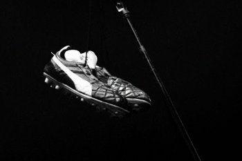 Los botines que Diego Maradona le regaló a Ciro de Los Piojos.