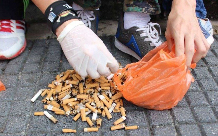 Sumate: Recolectan colillas de cigarrillos para reciclarlas y producir ladrillos