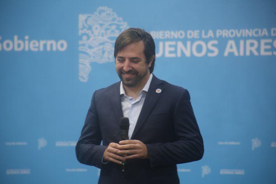 El ministro de Salud, Nicolás Kreplak, anunció que la Provincia enviará turnos para la combinación de vacunas