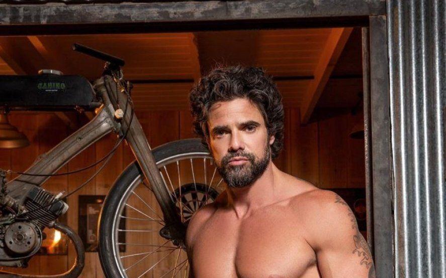 Desnudo sospechoso: ¿Las fotos de Luciano Castro se filtraron para promocionar una obra?