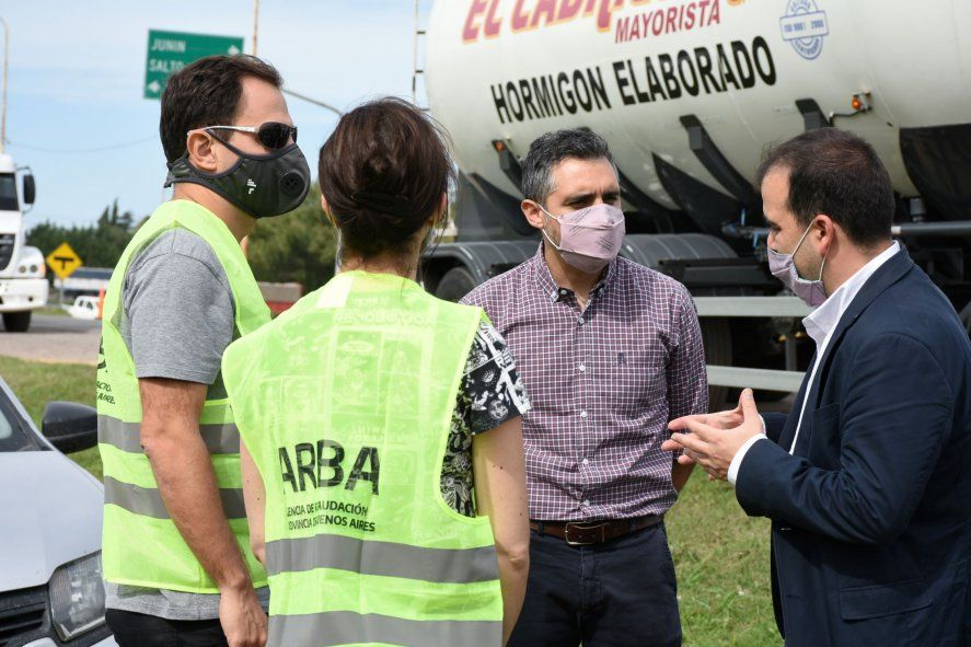 El director de ARBA, Cristian Girard, en uno de los controles