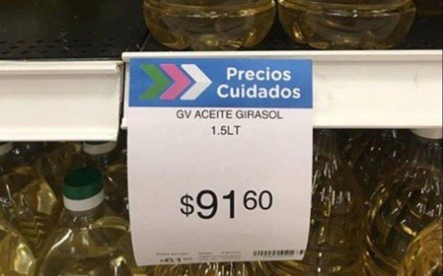 Productos esenciales: descubren que un hipermercado puso su propia marca de aceite como precio cuidado