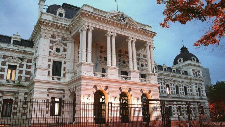 La Justicia ordenó al Gobierno bonaerense que equipare los salarios de jueces provinciales a los nacionales