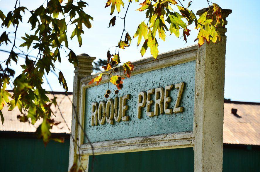 Roque Pérez es conocida como El pueblo de los Almacenes por la gran cantidad de pulperías y antiguos almacenes que conservan