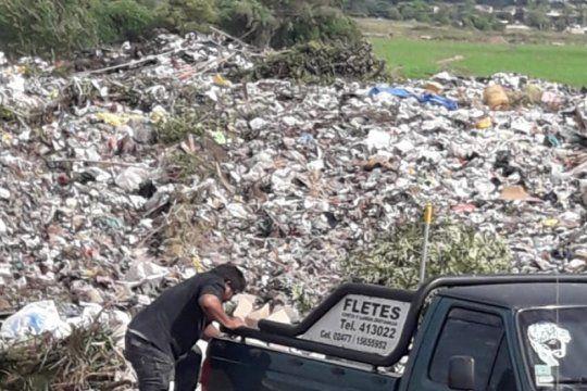 pergamino: vecinos encontraron ataudes con ?restos humanos? en un basurero municipal