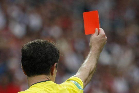 las sospechas sobre arbitros sobornados en el ascenso dividen las aguas entre defensores y alvarado