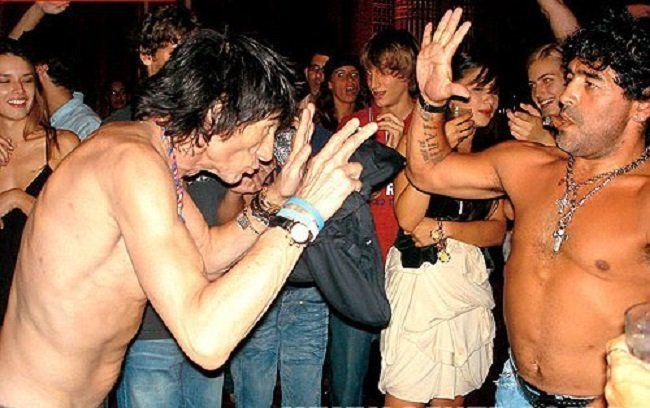 Diego Maradona con Ronnie Wood