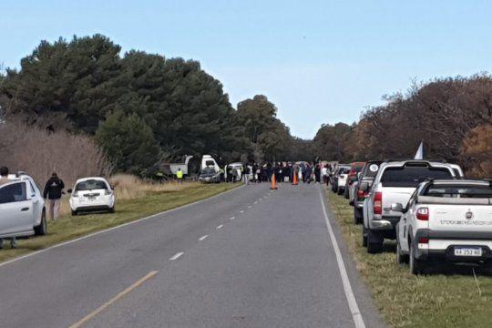 Los propietarios no residentes quisieron ingresar en caravana a Monte Hermoso y el intendente no los dejó.
