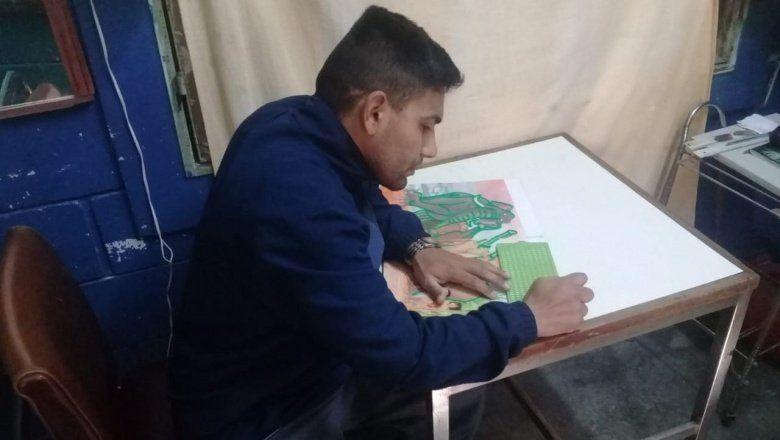 Internos de la cárcel de Batán elaboran un menú en braille para un restaurante marplatense