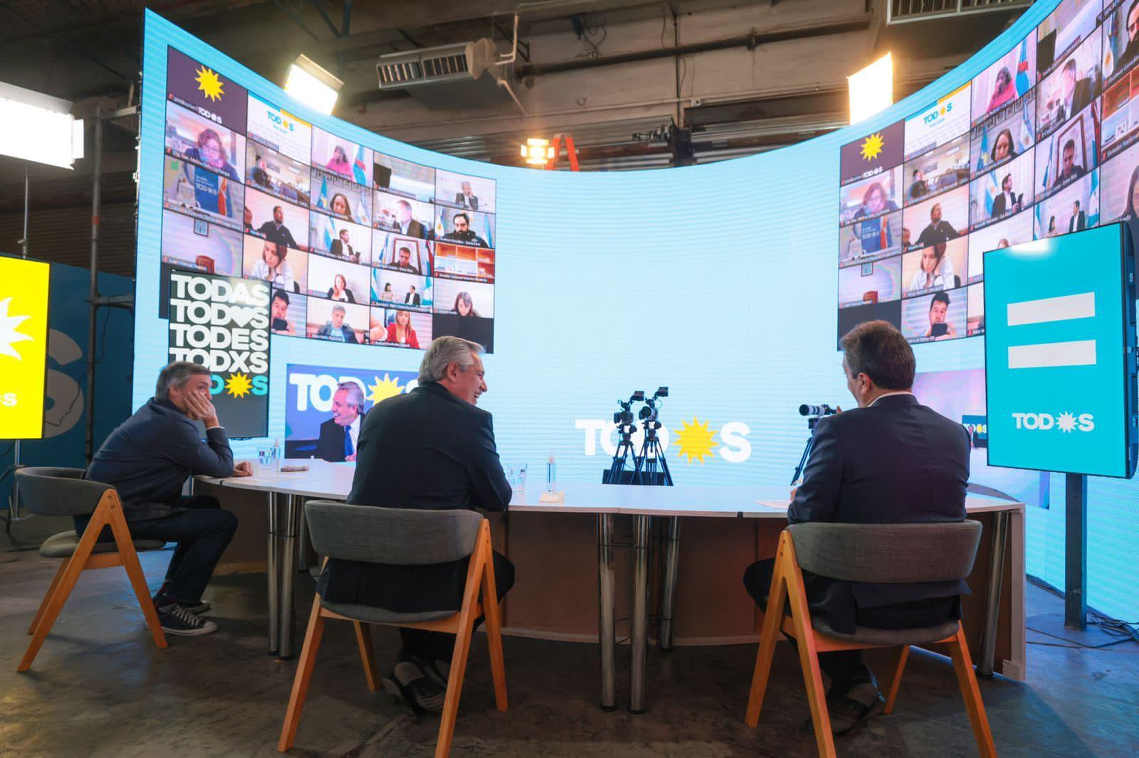 Alberto Fernández en video conferencias con los candidatos del FDT de cara a las elecciones del domingo