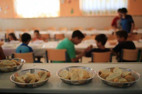 lejos del restaurante de piparo: casi la mitad de los chicos que asiste a comedores tiene malnutricion