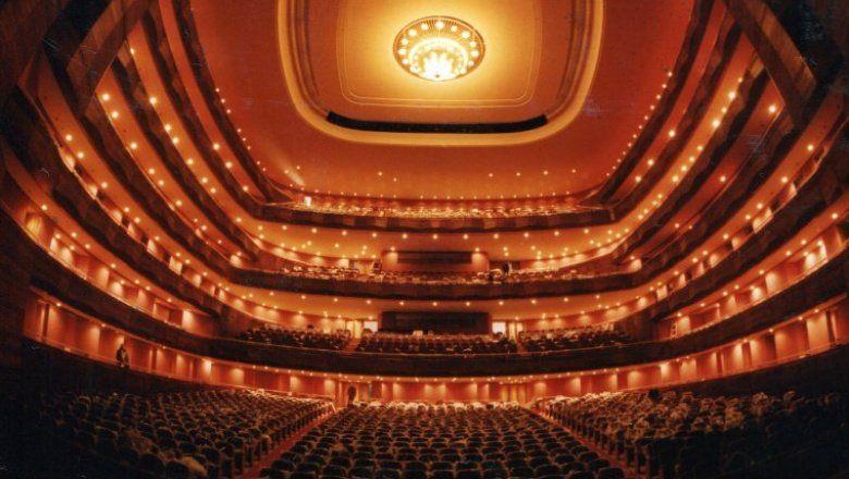 Habilitaron la vuelta del teatro y la música en vivo con y sin público