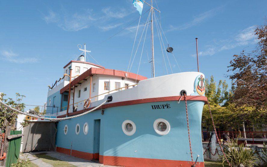 Todos a bordo: conocé estas 3 casas con forma de barco en la provincia
