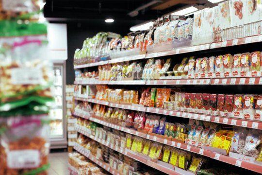 La Ley de Góndolas tendrá el objetivo de normalizar los precios de los productos al aumentar la competencia en los supermercados.