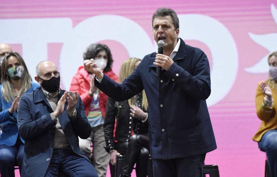 Desde Junín, Sergio Massa en los actos simultáneos de cierre de campaña en la provincia de Buenos Aires del Frente de Todos.