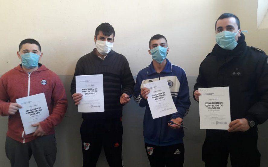 Ya entregaron 45.000 cuadernillos educativos a presos bonaerenses