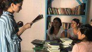 ana sicilia: la periodista que quiere llenar las carceles con libros