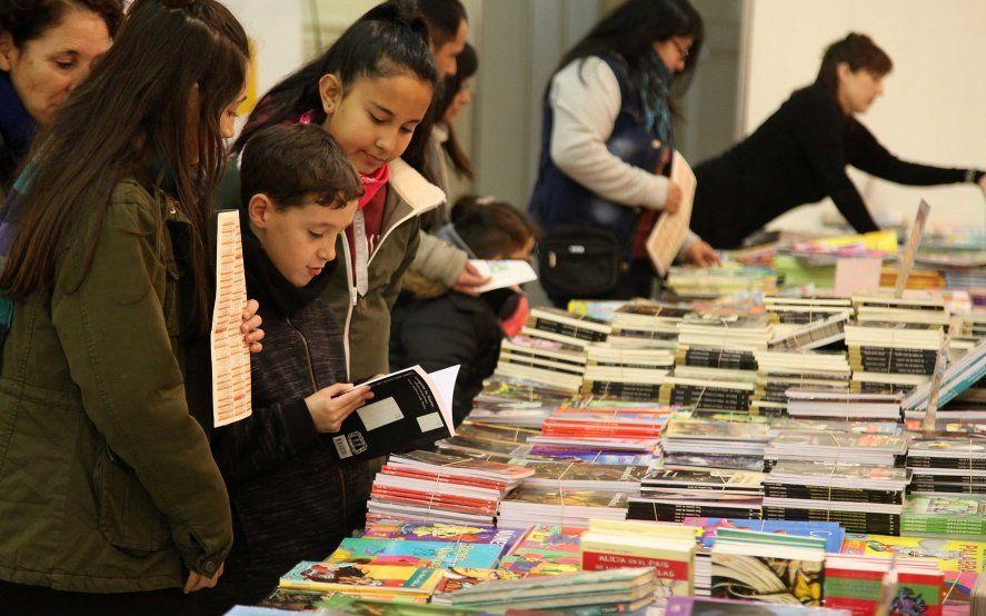 Con talleres, espectáculos y charlas, empezó la Feria del Libro Infantil y Juvenil en La Plata