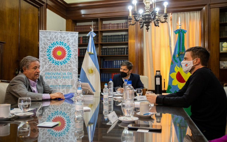 Kicillof firmó un convenio con empresas con Duhalde como facilitador