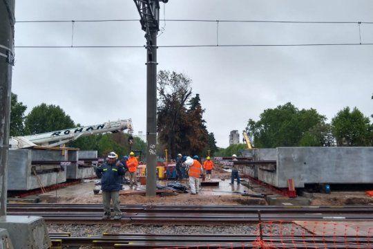 el tren roca no llegara hasta la plata durante el fin semana por obras en el paso bajo nivel
