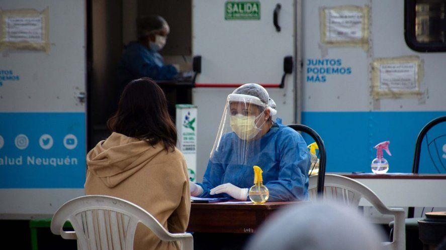 Coronavirus: continúa la curva de los 30 mil casos y 400 fallecidos por día