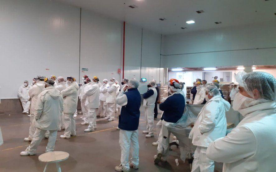 Trabajadores de La Salteña denuncian amenaza de despidos masivos